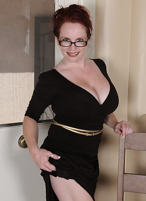 MILF Glasses Porn Pictures
